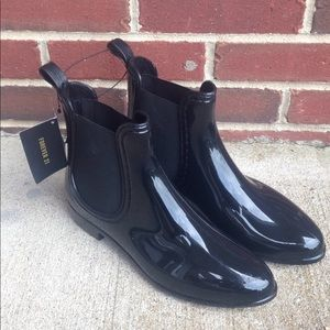 Forever 21 Black Chelsea Rain Boots Size 9  NWT